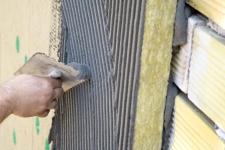 Aplicare material hidroizolant pe baza de ciment