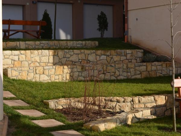 Placări exterioare cu piatră naturală