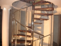 Scara spirala inox cu trepte lemn