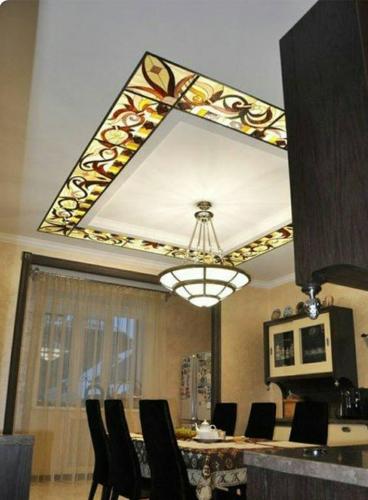 Tavan extensibil cu decoratiuni frunza