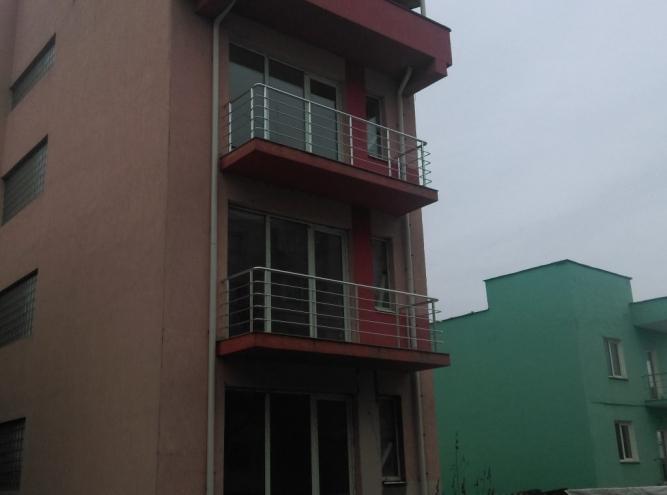 Balustrada aluminiu cu 4 bare orizontale
