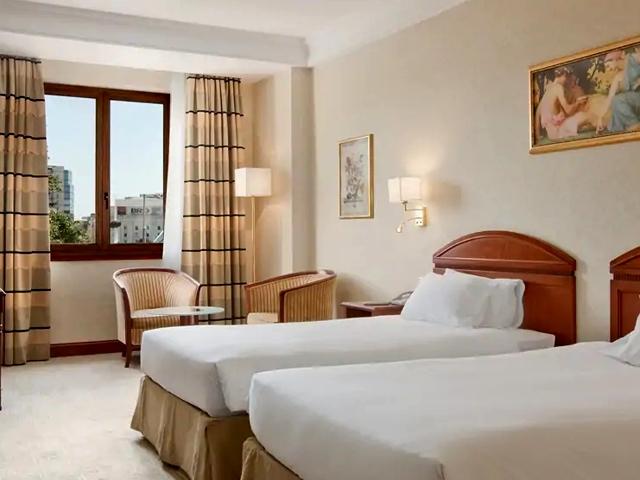 Amenajare completa camera - Hilton Bucuresti